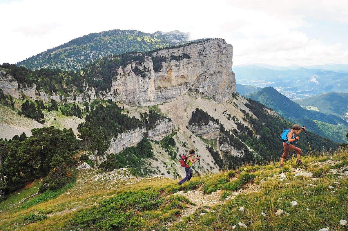 Après le col des Bachassons, montée sur la crête sud-est de Plautret.