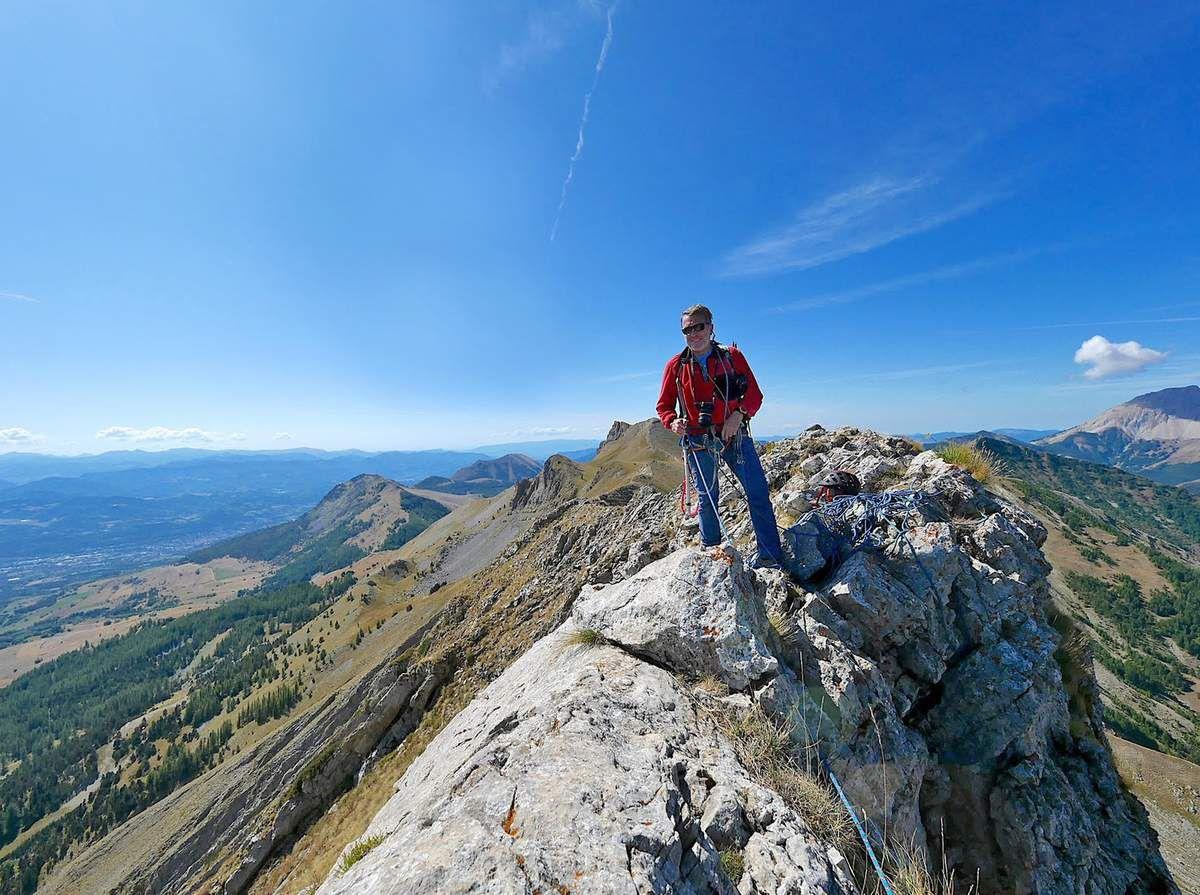 Au sommet du pic de l'Aiguille (photo L. Jacquet).