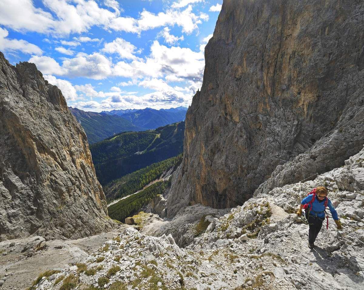 Arrivée au passo delle Scalette (2348 m), avant la fabuleuse incursion dans le vallon des Larsech.