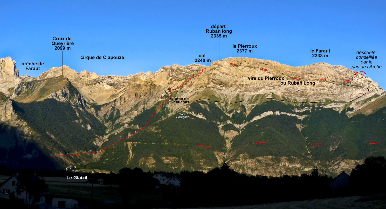 Le Pierroux vu de Chauffayer. Le tracé noir à droite représente la descente très exposée que nous avons faite et que je déconseille, surtout que la traversée du plan incliné est ensuite assez pénible. Il vaut mieux descendre par le pas de l'Arche et le chemin qui, au sud du pic de Chauvet, permet de retrouver la piste du départ à 1245 m.