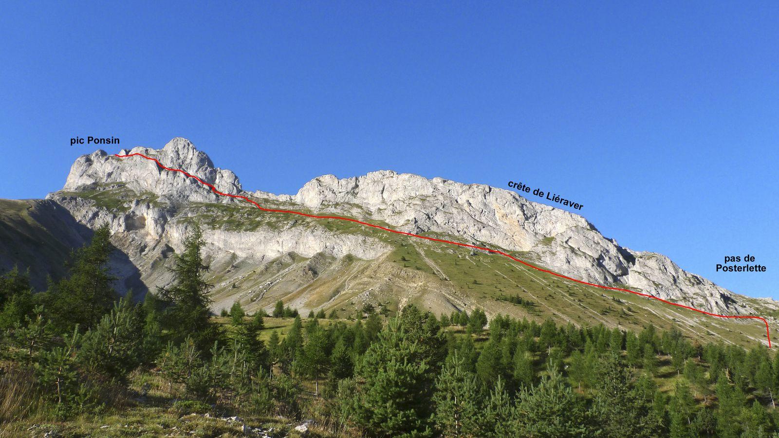 L'itinéraire vu du col du Noyer.