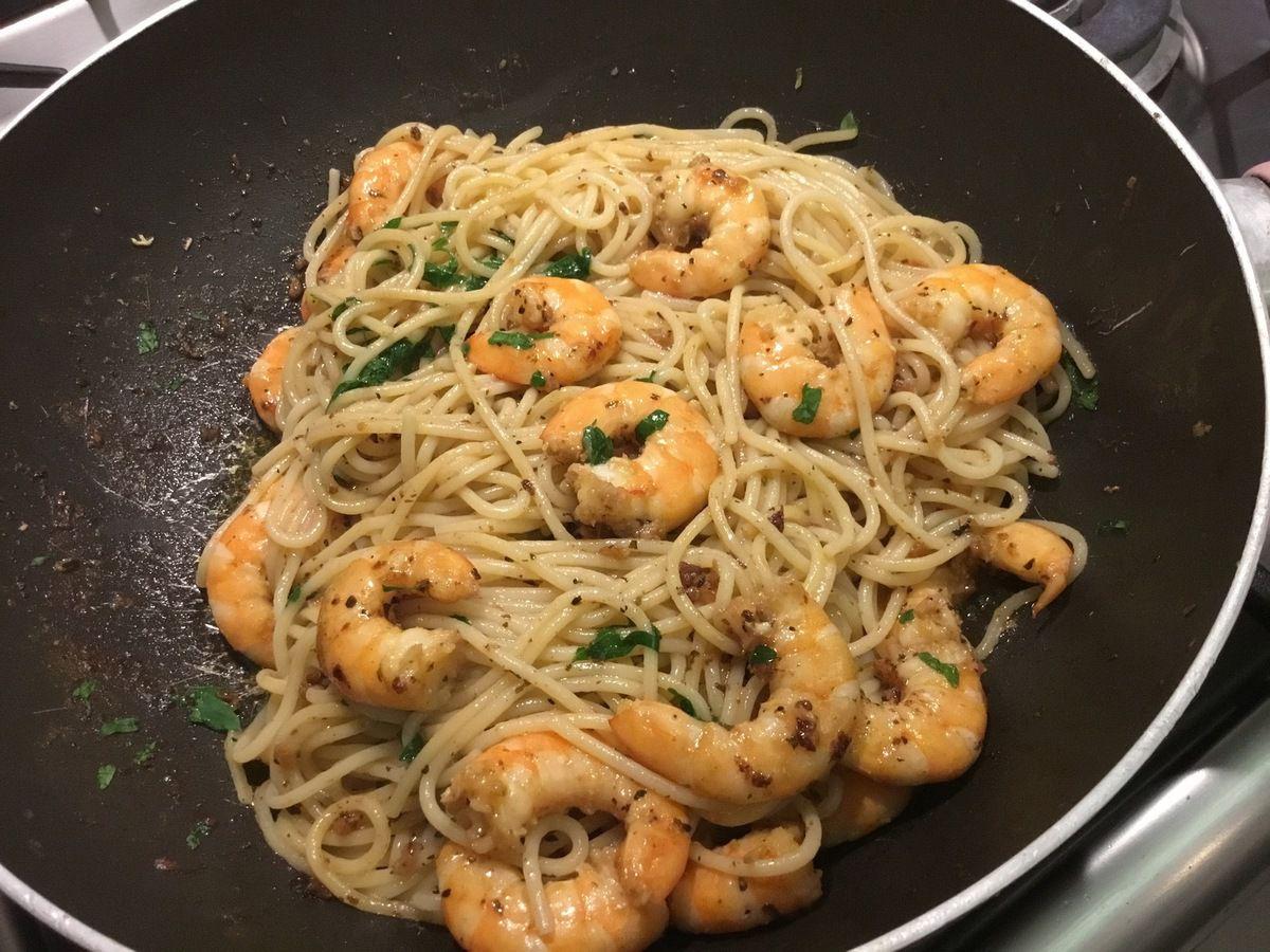 Spaghettis, crevettes à l'ail