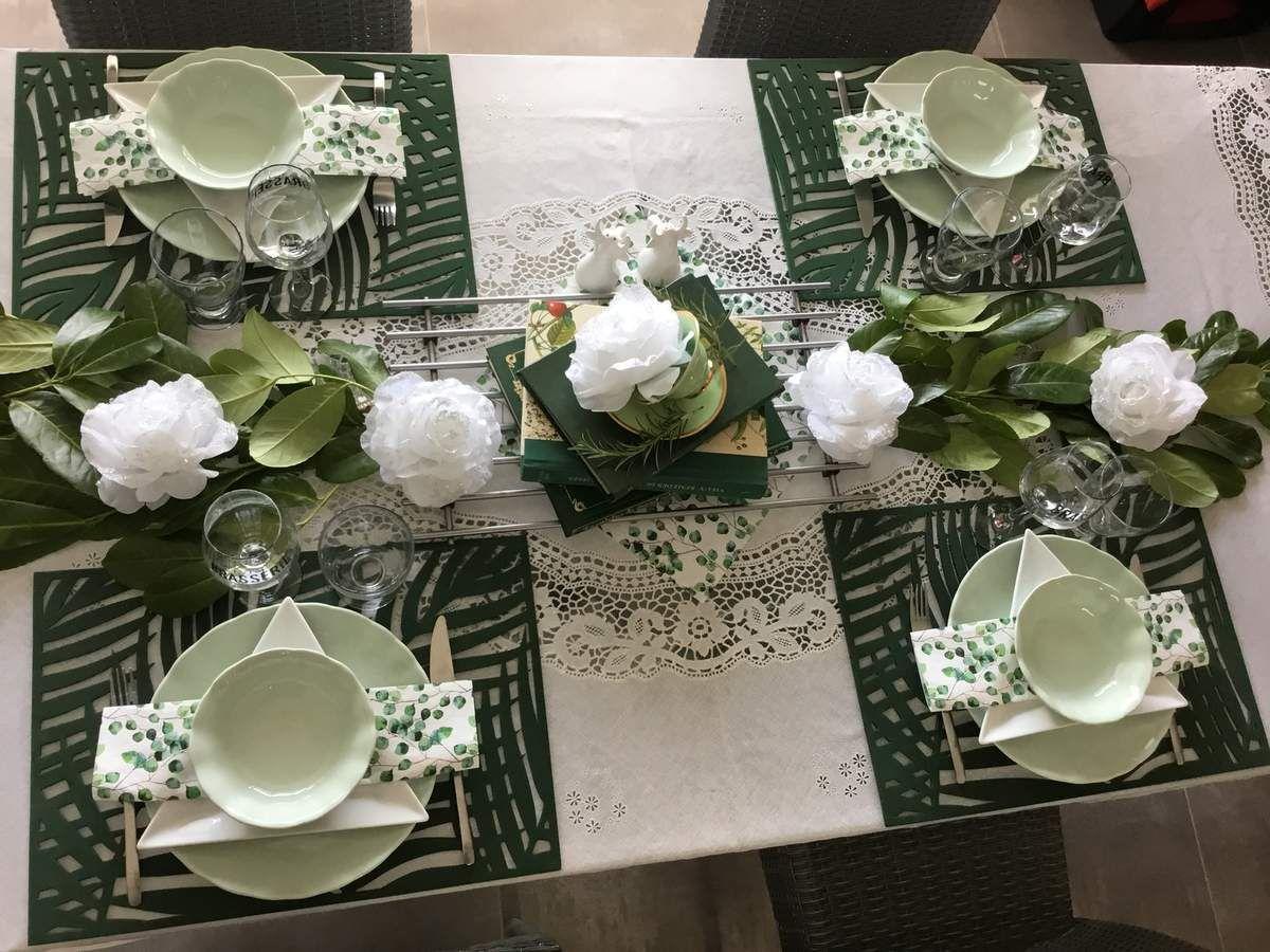 Table en vert et blanc St Patrick