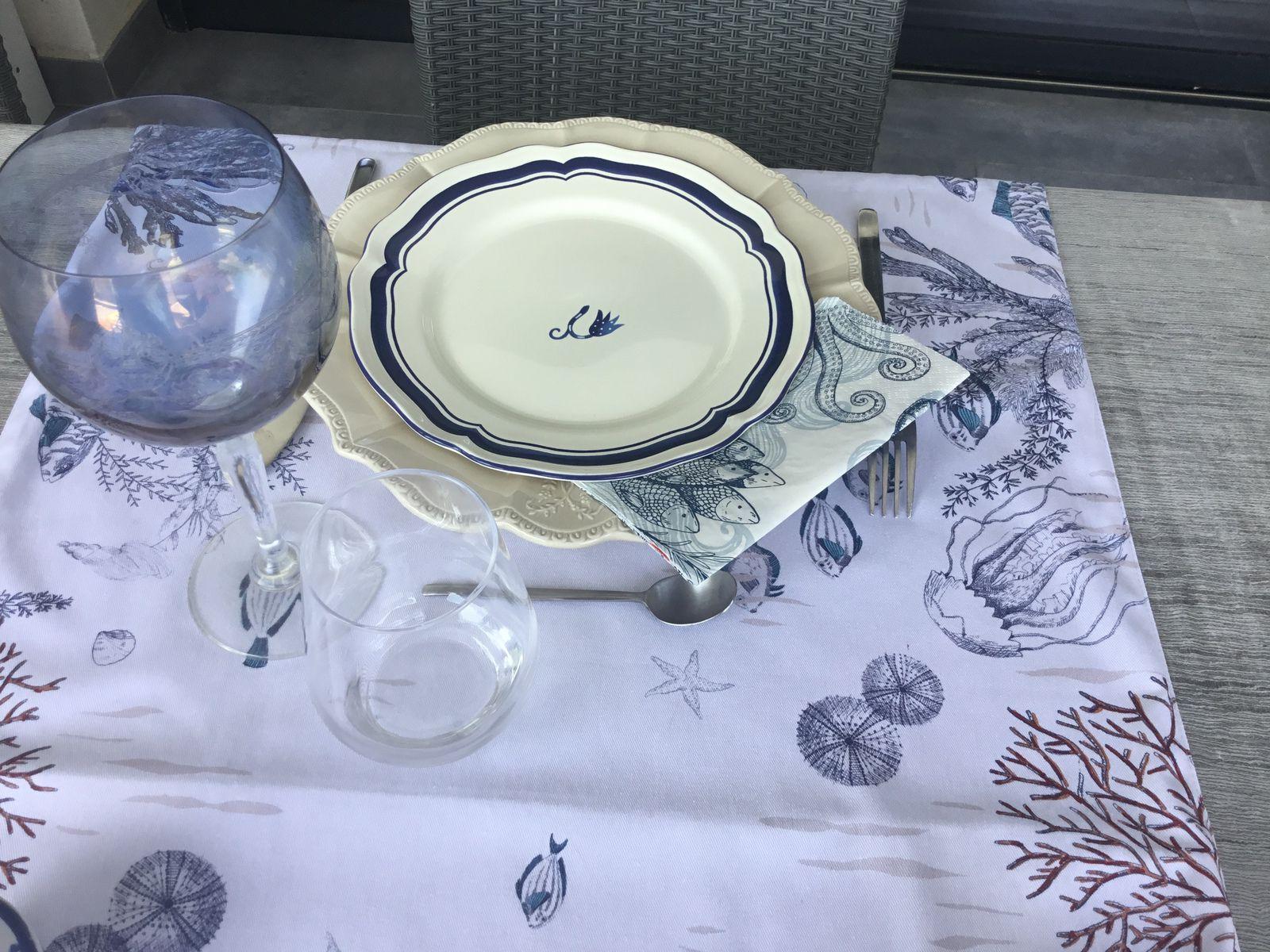 Table, aux poissons «bleus»