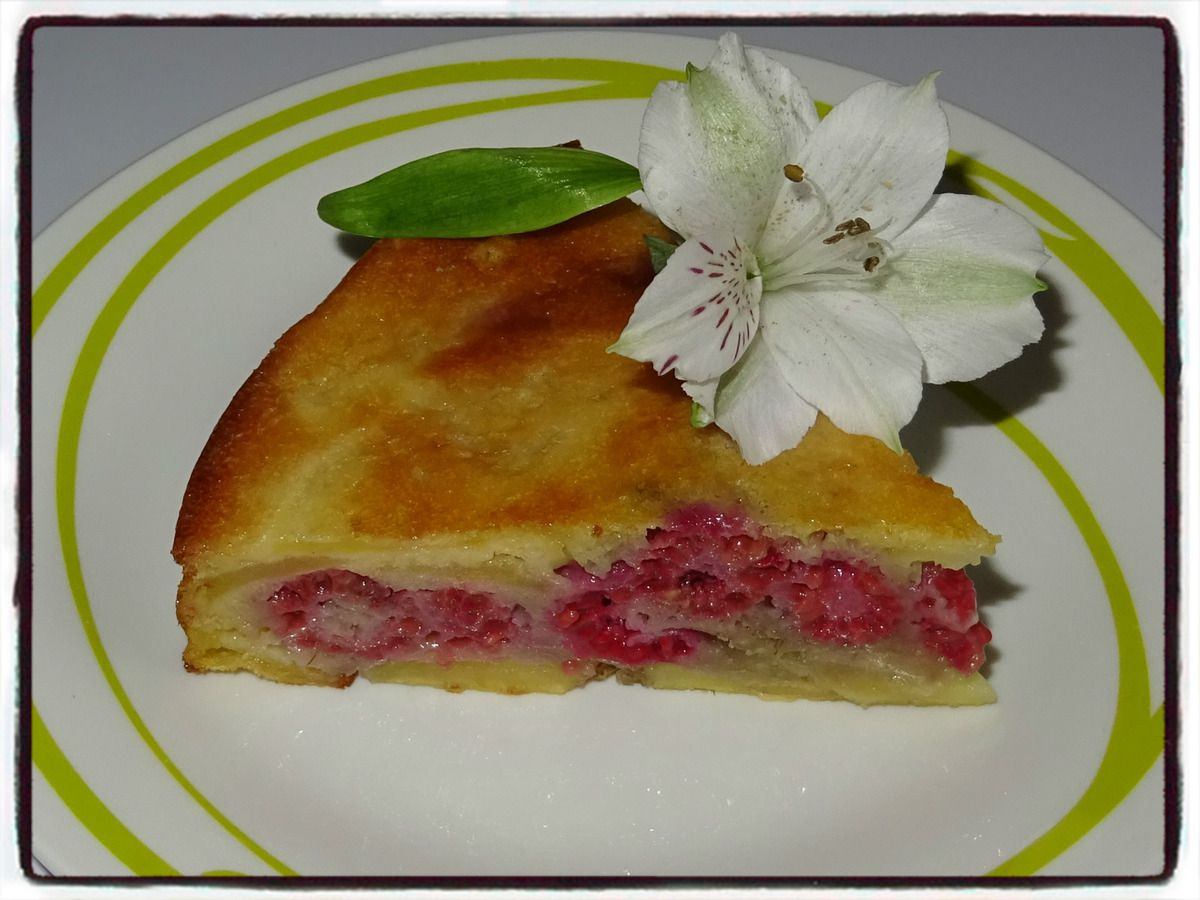 Gâteau invisible pomme framboise