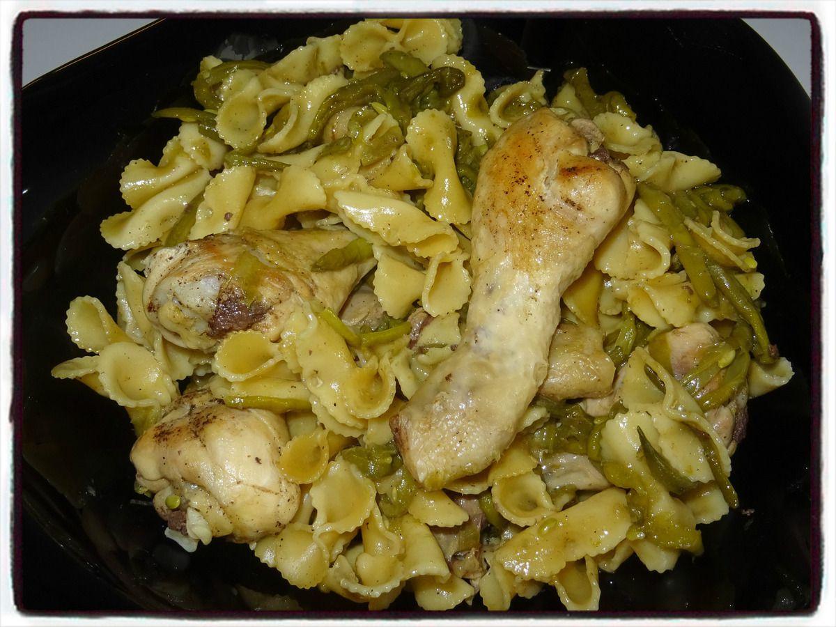 Pilons de poulet aux pâtes et haricots verts