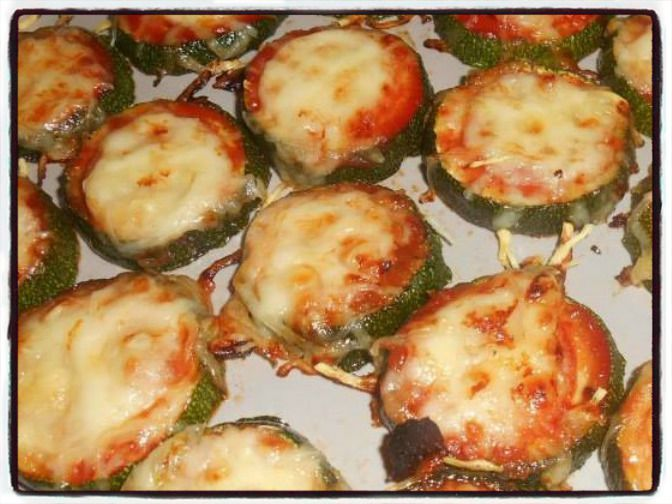 toasts courgette pizza