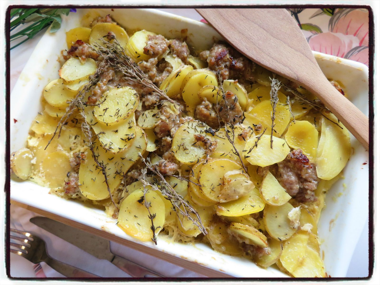 gratin pommes de terre thym chair à saucisse