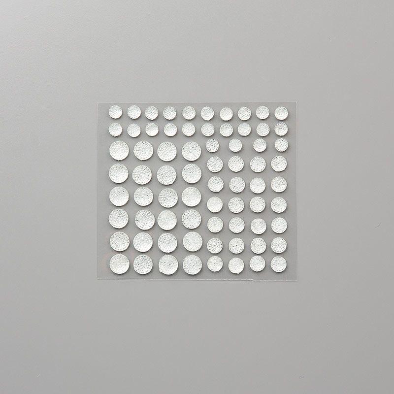 Gemmes à facettes transparents