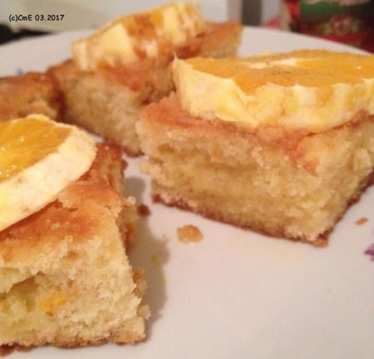 Poundcake with oranges