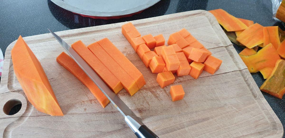 Tarte à la courge, oignon rouge et fromage de chèvre