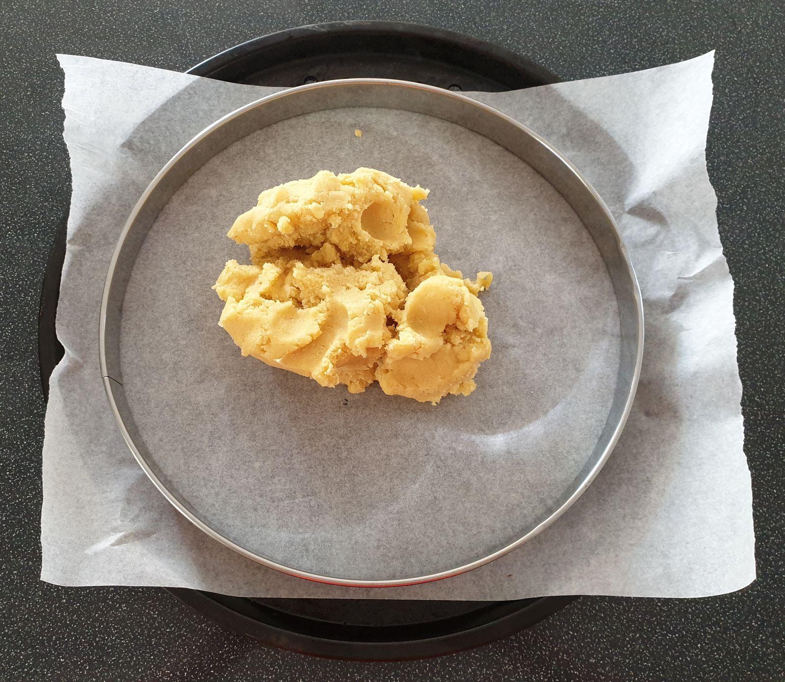 Tarte aux fruits rouges sur sablé breton