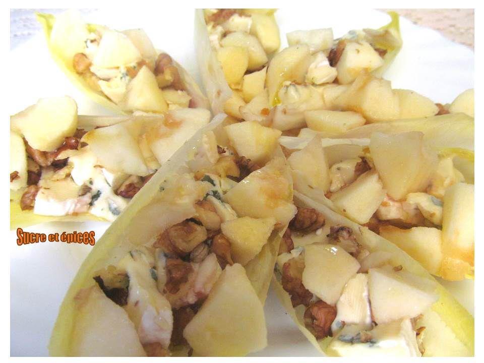 Bouchées d'endives fromage bleu, noix et pommes