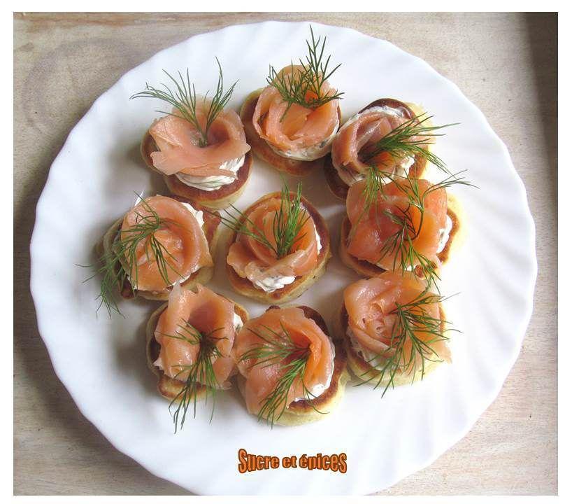 Blinis au saumon fumé et au Saint Môret