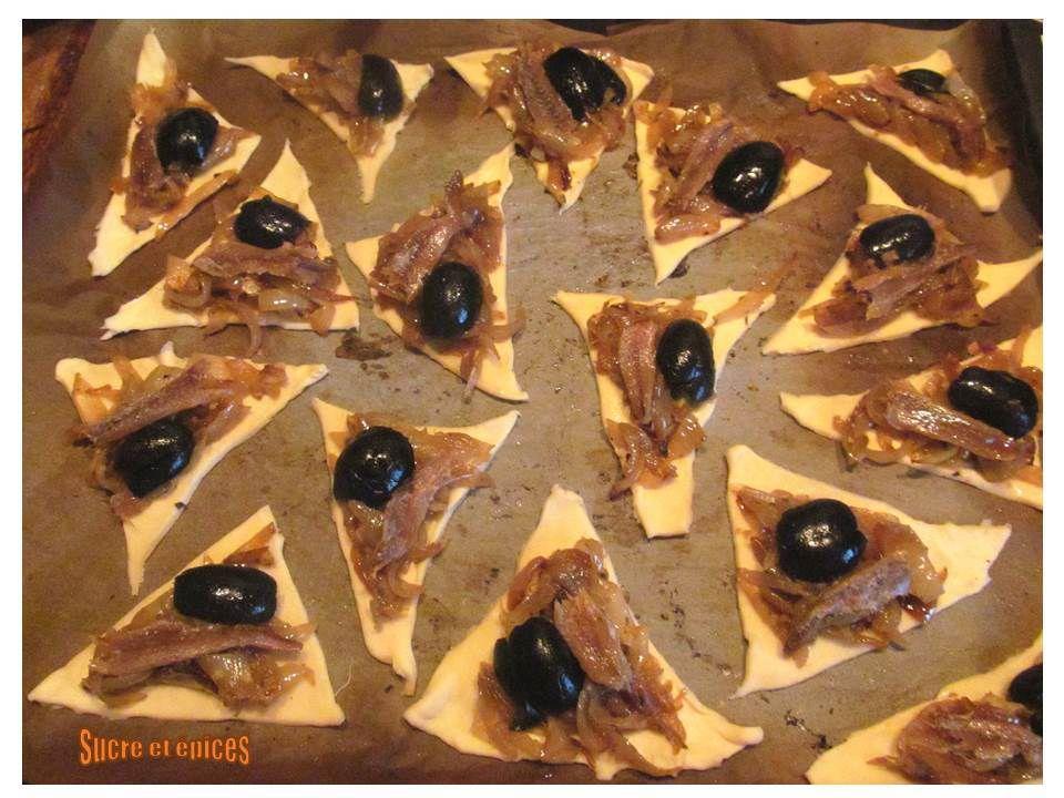 Mini pissaladières aux olives noires