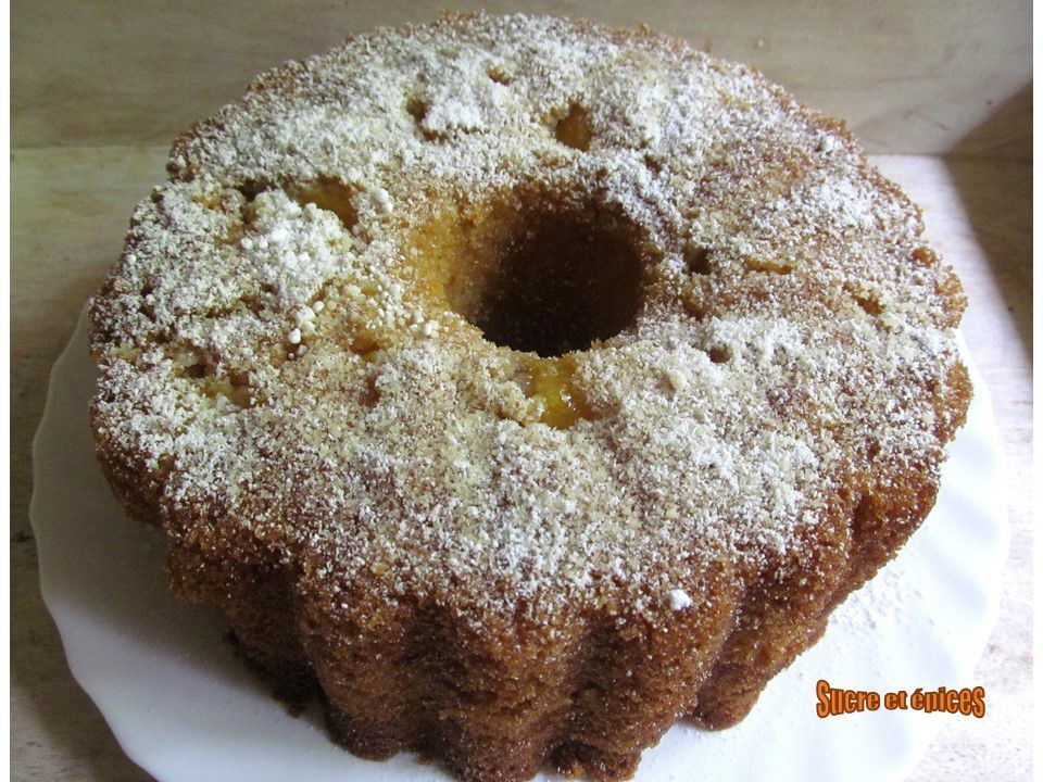 Gâteau très moelleux aux pêches à la crème fraîche