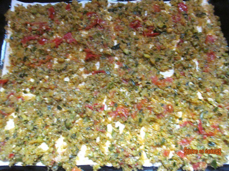 Tarte aux courgettes et lait fermenté avec des feuilles lavash