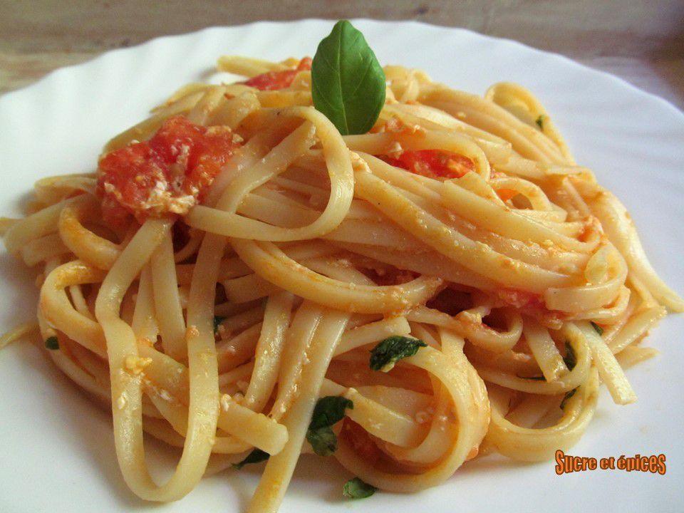 Linguine aux tomates, oeufs et basilic