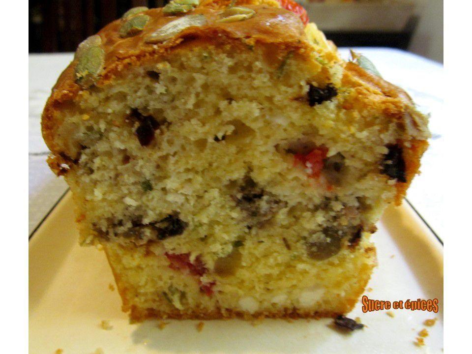 Cake du Sud : feta, tomates, tapenade et graines