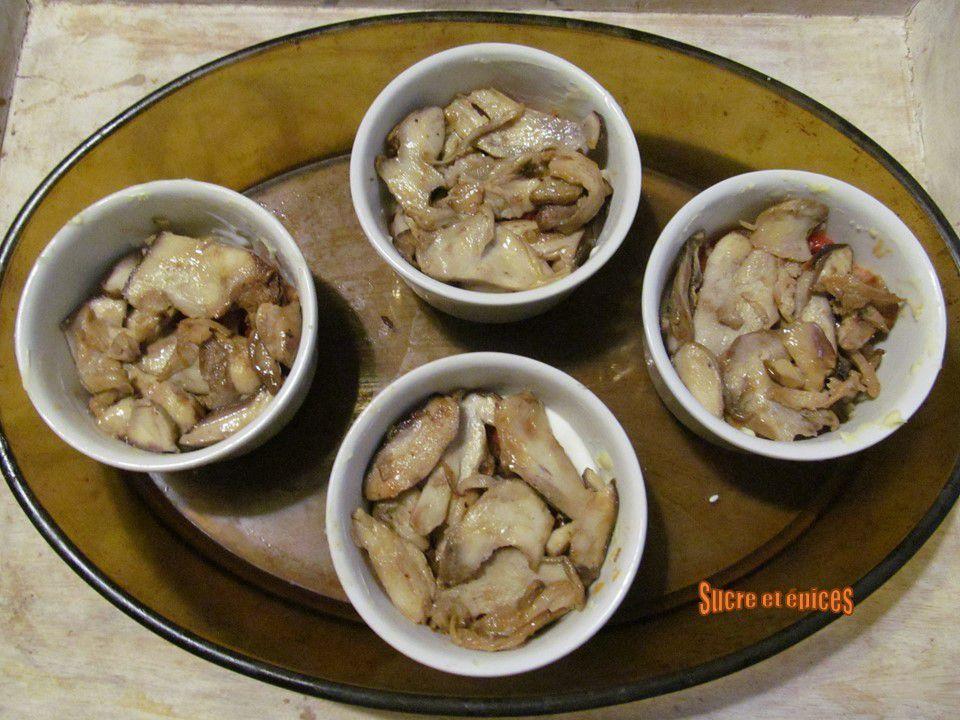 Oeufs cocotte aux cèpes, lardons et légumes