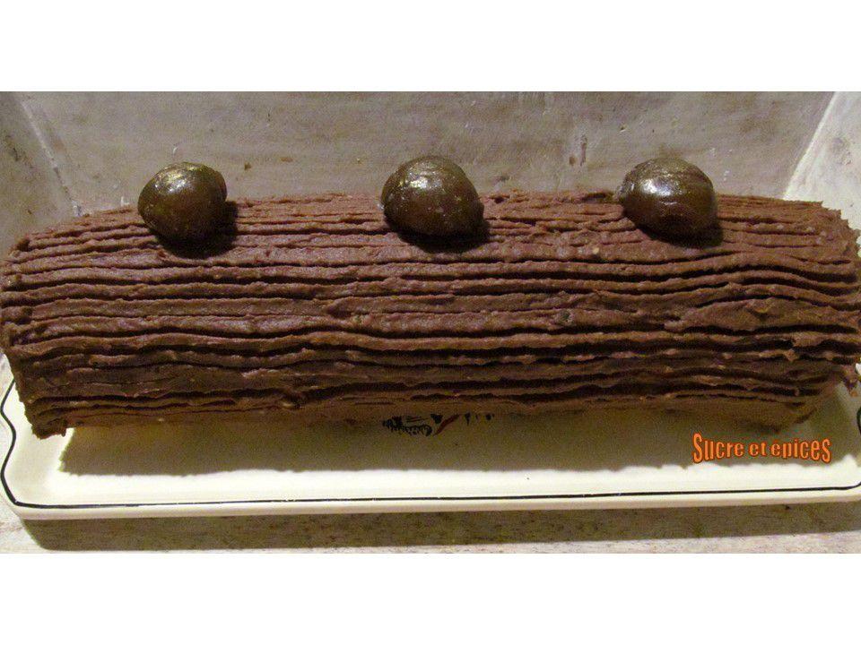 Bûche de Noël à la crème aux marrons et au chocolat