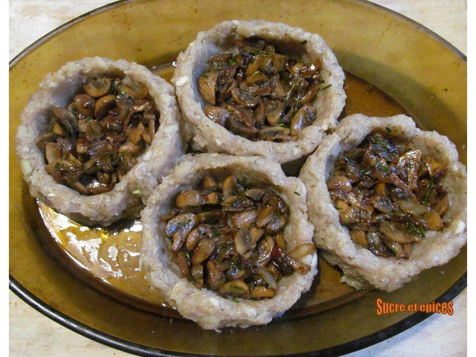 Nids de Pâques aux champignons et oeufs