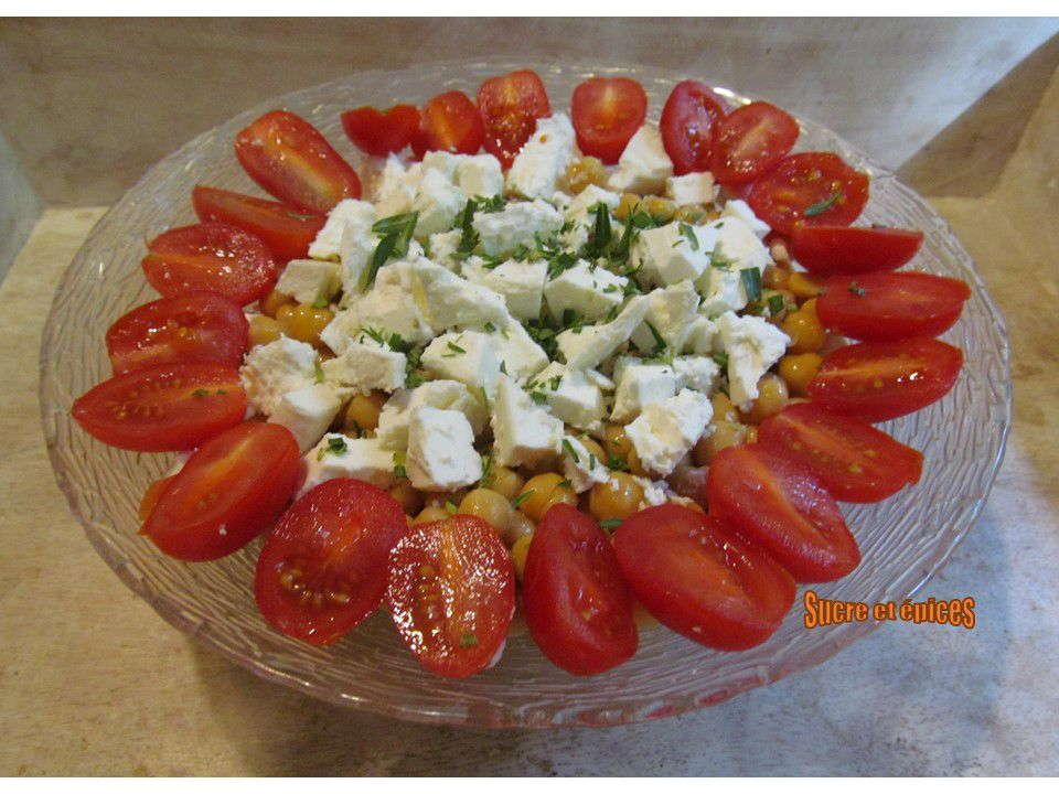Salade de pois chiches, tomates cerises et feta