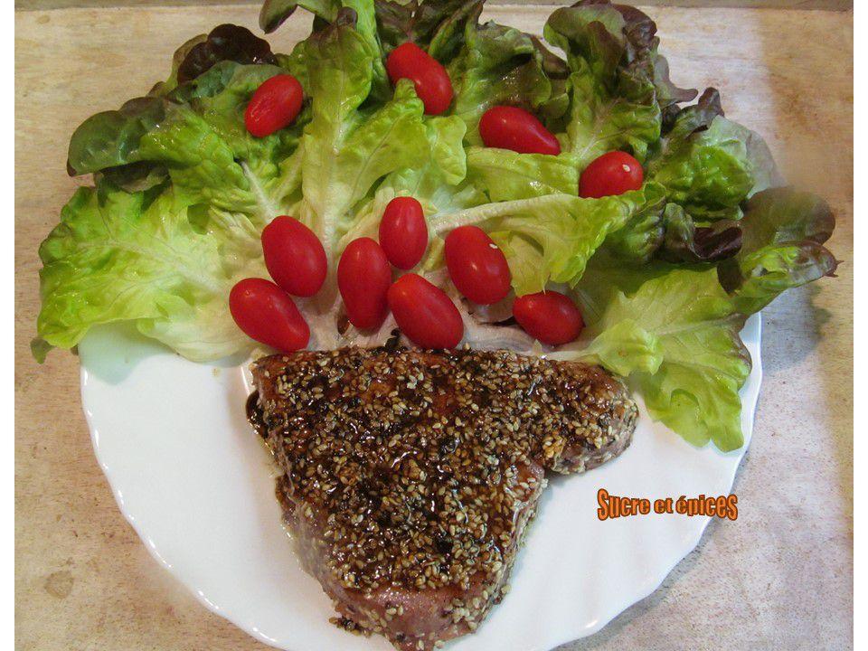 Pavés de thon grillés au sésame et poivres