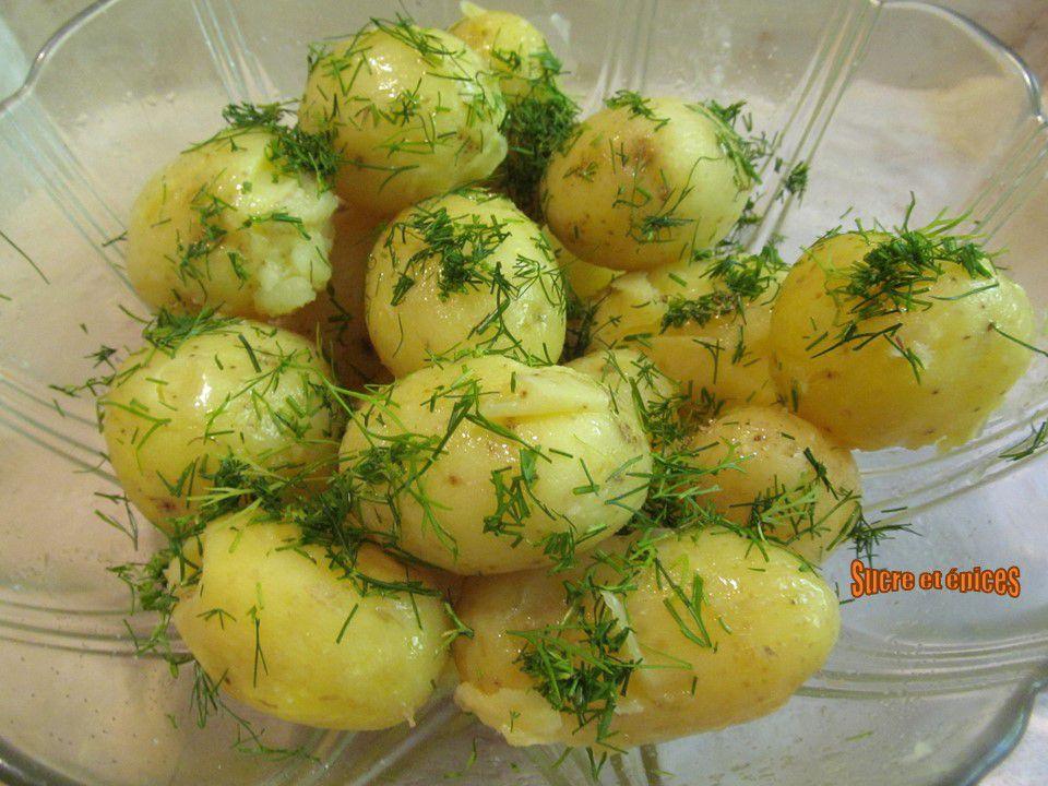 Pommes de terre nouvelles au beurre et à l'aneth
