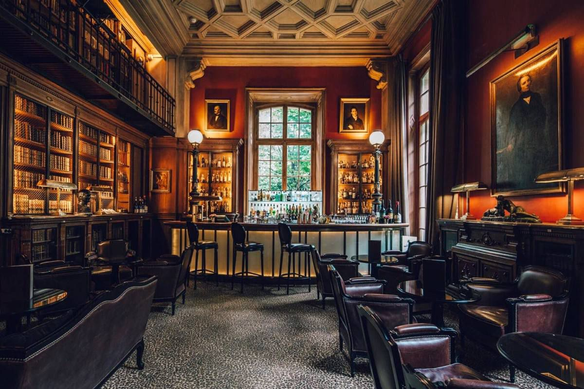 LA BIBLIOTHEQUE DE L'HOTEL SAINT JAMES (Paris)