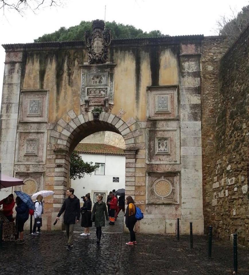 LE CHATEAU SAINT GEORGES DE LISBONNE (Castelo São Jorge)