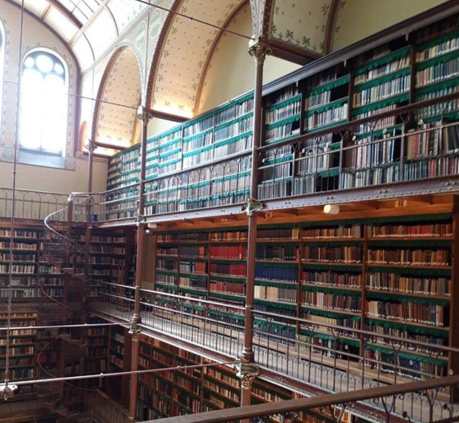 LA BIBLIOTHEQUE DU RIJKSMUSEUM - AMSTERDAM