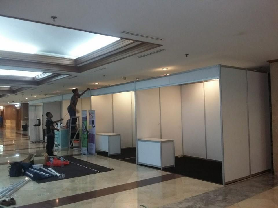 Jual Stand R8. Stand R8    081296147300