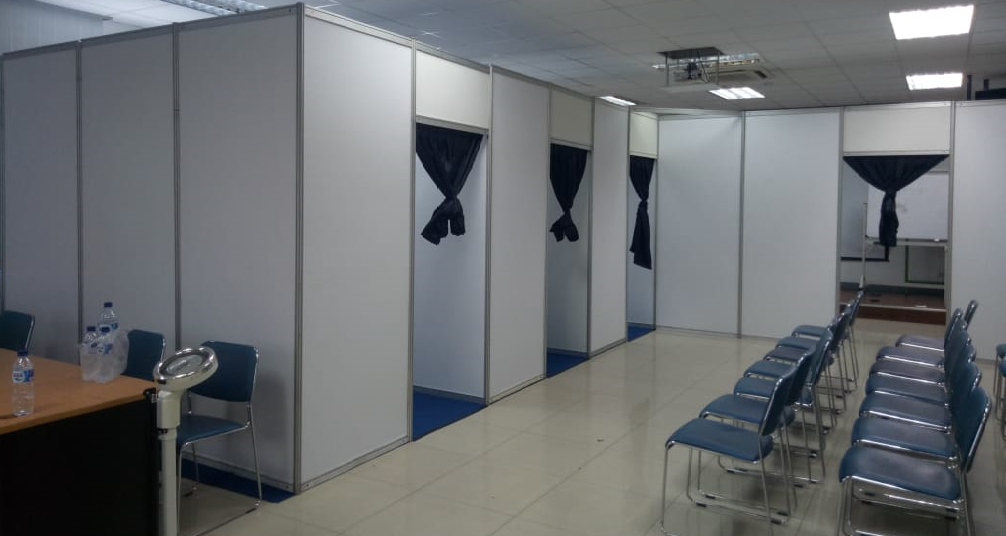 Sewa Partisi Event    Fitting Room R8