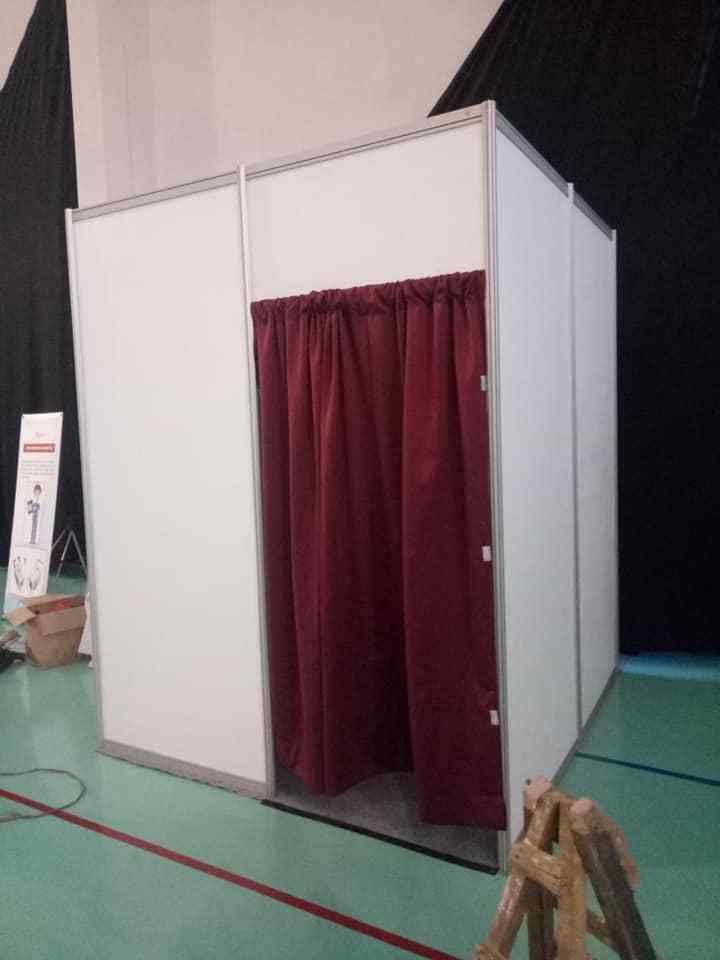 Sewa Partisi Pameran, Sewa Partisi Event    Fitting Room R8