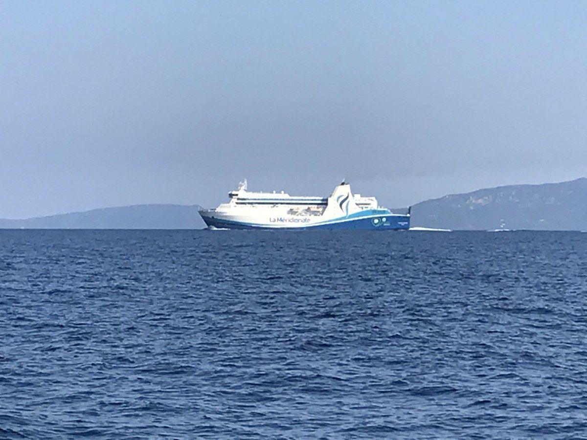 Armas: Port Mahon ( Minorque- Baleares) -     Moby : Ile D'Elbe( Italie) -     Corsica Ferries: Toulon -     Navy: Bonifaccio (Corse)