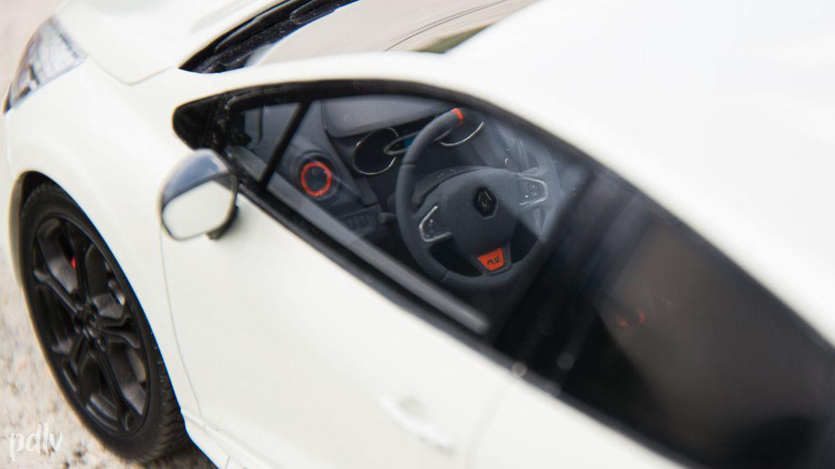 1:18 Renault Clio 4 RS, Ottomobile (OT257)
