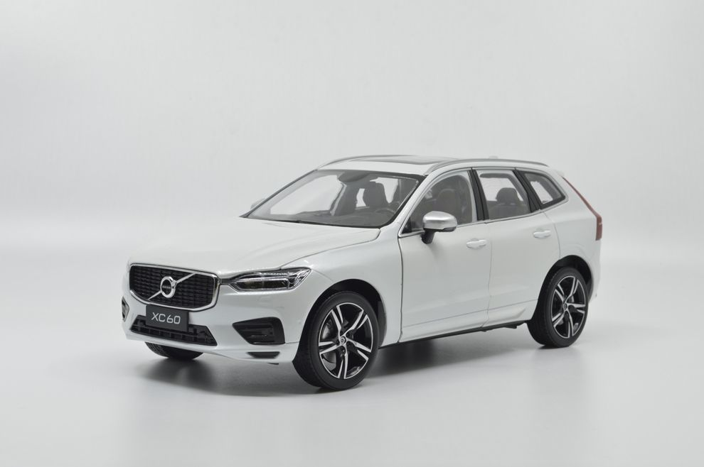1/18 : Paudi a modélisé le Volvo XC60