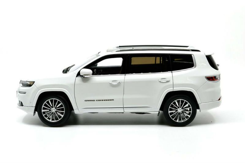 1/18 : Nouvelle Jeep Grand Commander de Paudi