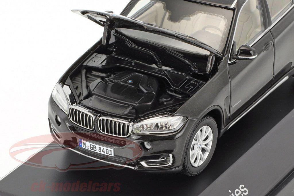 Bon plan : Un BMW X5 de bonne qualité au 1/43 pour 10 € !