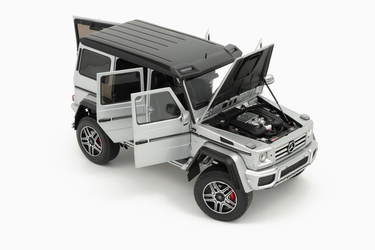 1/18 : Almost Real décline le Mercedes G500 4x4²