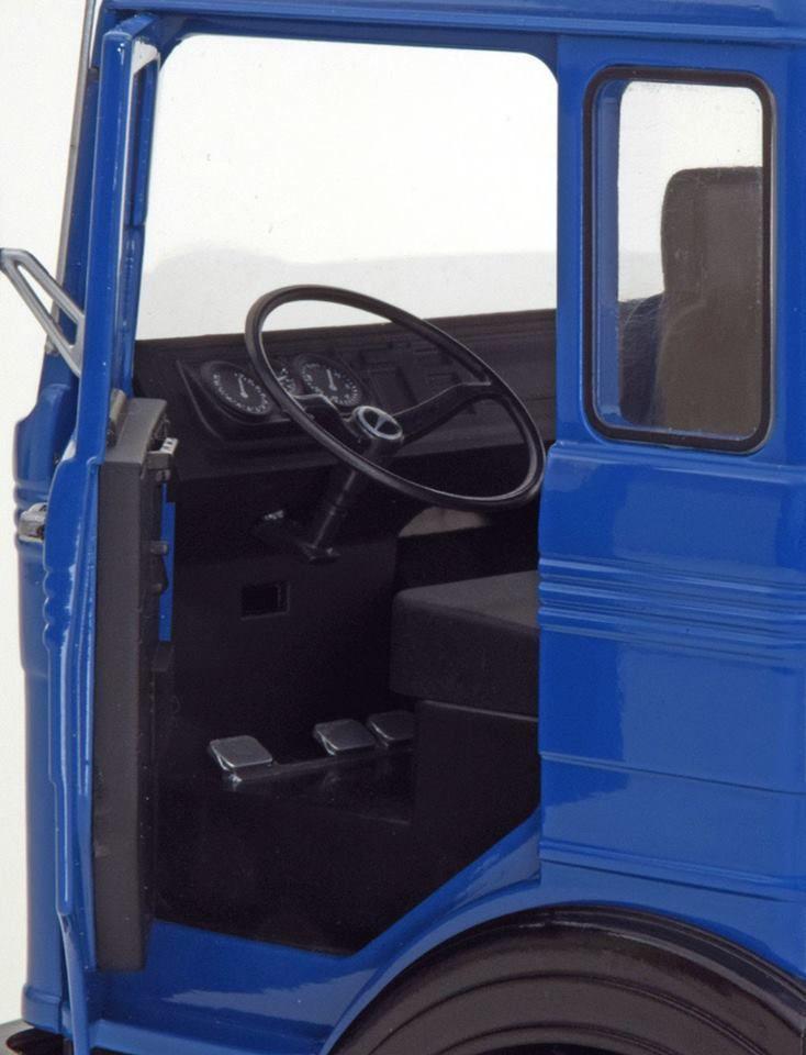 1/18 : Un second camion Road Kings, le Mercees LPS 1632
