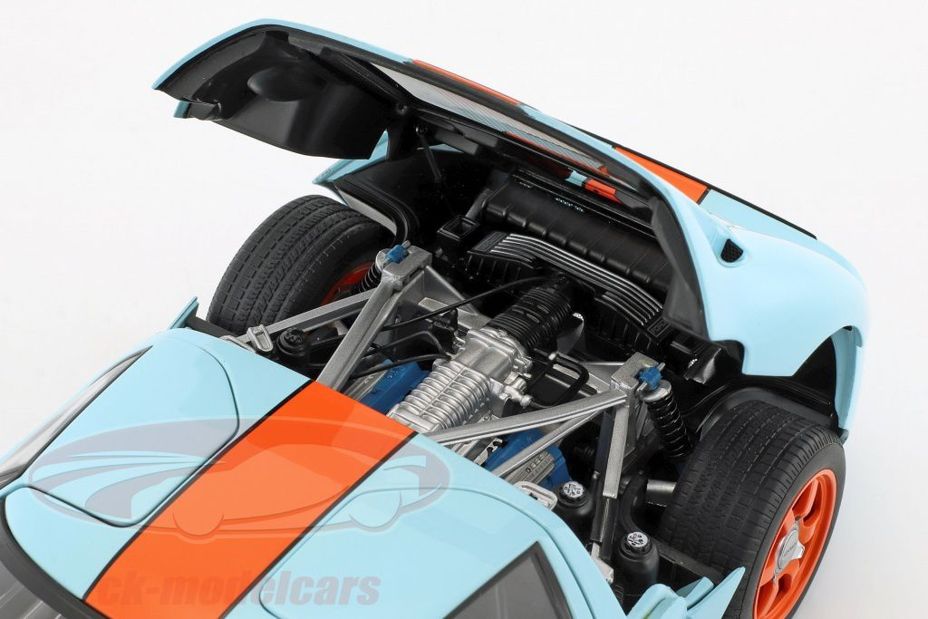 1/18 : La somptueuse Ford GT Gulf d'AutoArt... bradée à 120 €