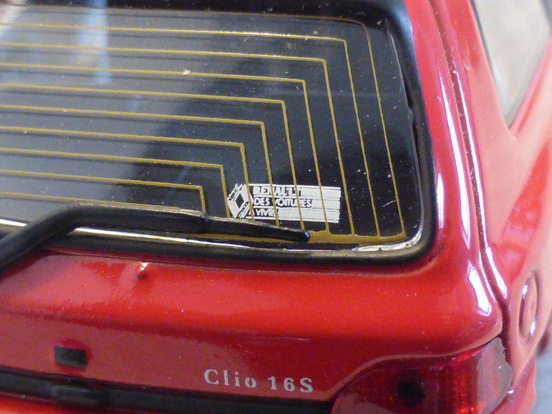 1/43 Renault Clio 16S, Universal Hobbies (7711223560)