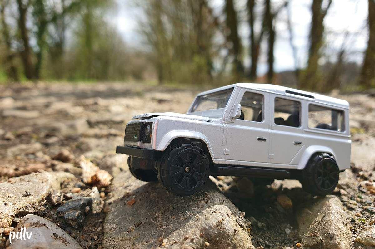 1/64 Land Rover Defender, Majorette (212053052)