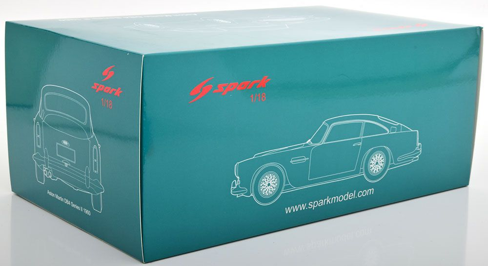 1/18 : une somptueuse Aston Martin DB4 signée Spark