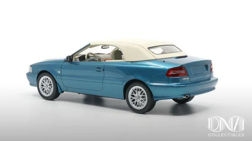 1/18 : La Volvo C70 cabriolet arrive chez DNA Collectibles