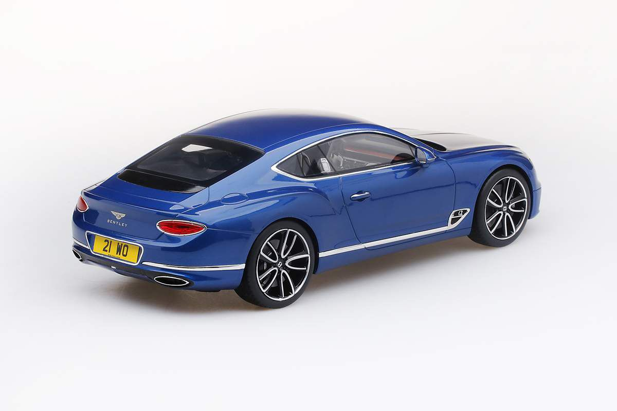 1/18 : Une superbe configuration pour la Bentley Continental GT Top Speed