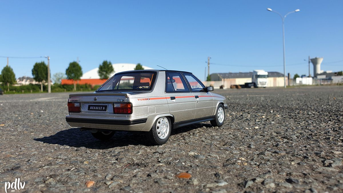 RENAULT 9 TURBO, OttOmobile 1/18 (OT540)