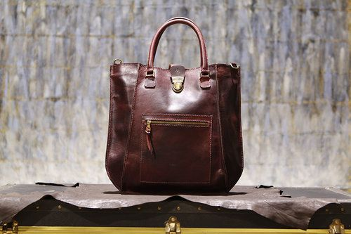 Top 4 Advantages of using the Leather Tote Bags for Regular use - sandast.over-blog.com
